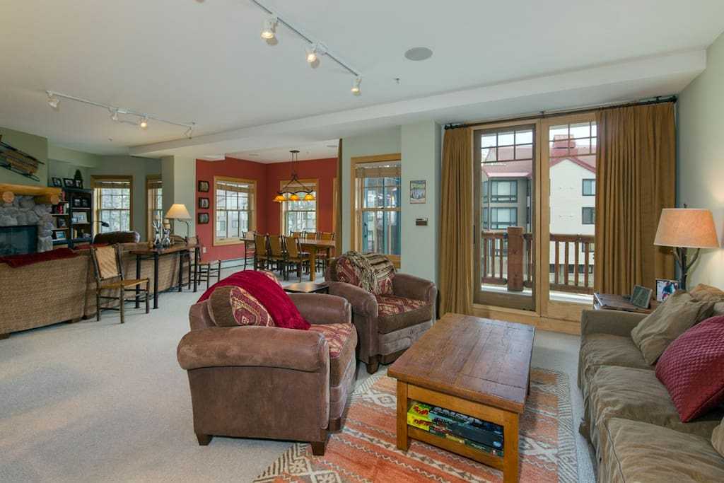 Two spacious living spaces in same area