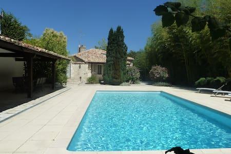 La Bastide de Couvinens avec piscine privée - Montcuq