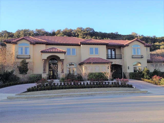 Texan Estate Across from Lake Austin on 1 Acre