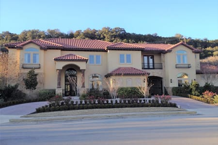 Tuscan Estate Across from Lake Austin on 1 Acre - Austin