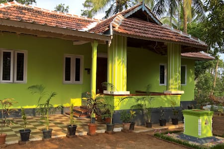 Relax in our farm house, with fresh organic food