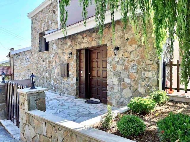 2-floor 3 bedroom luxury stone house in Platres