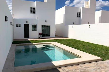 Hermosa Casa con Alberca en Mérida