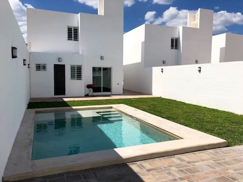 Beautiful Pool House in Merida
