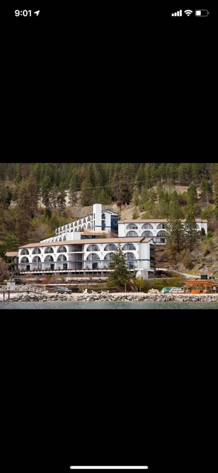Luxurious Lake Okanagan Resort 1 Bedroom Condo