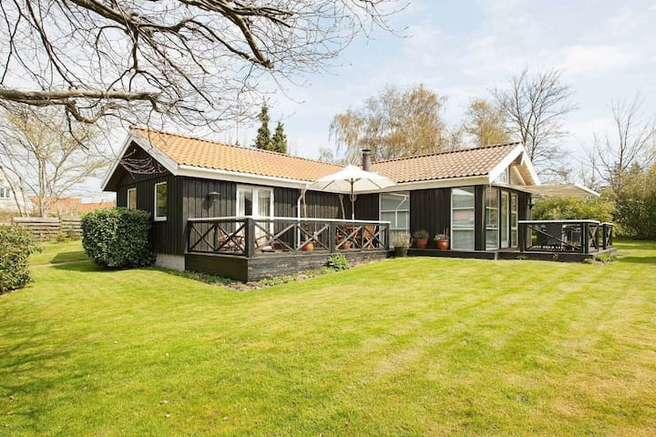 Charming Holiday Home in Gilleleje Near Ocean