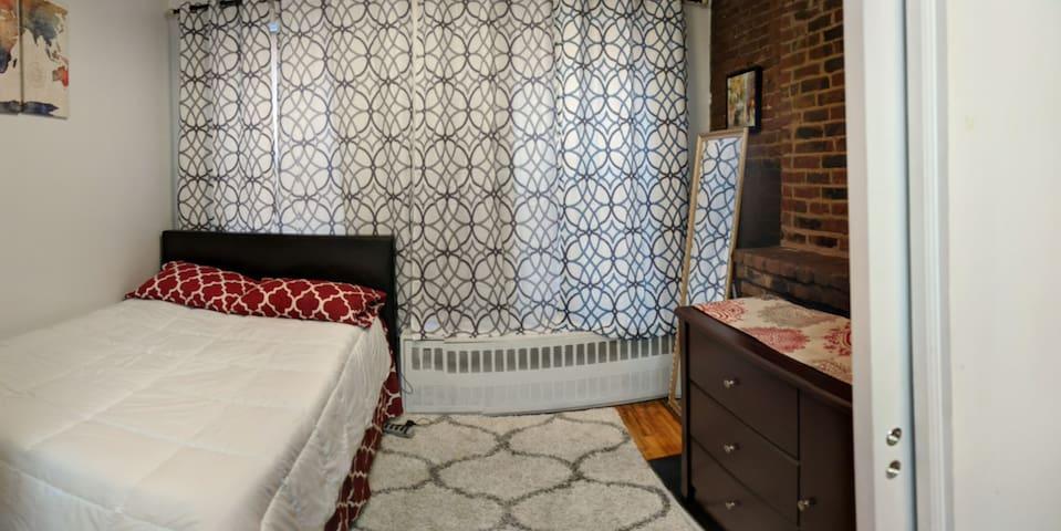 Cozy Junior One Bedroom in Prime Chelsea