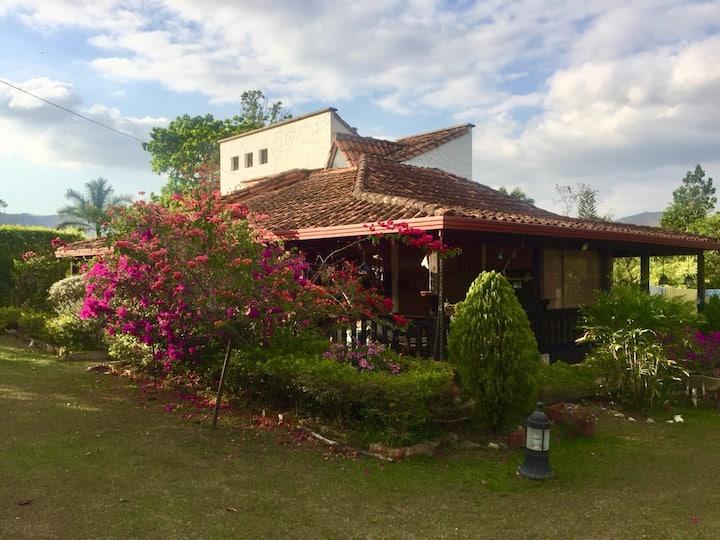 Cabaña Campestre+Piscina En Afueras De Piedecuesta