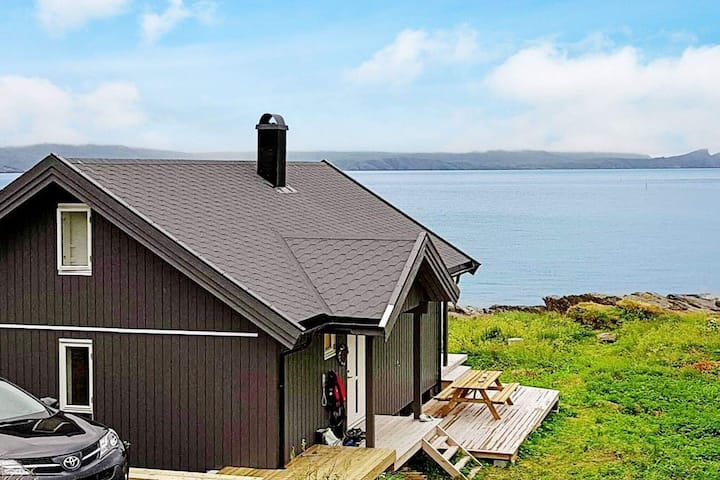 8 person holiday home in Sørvær
