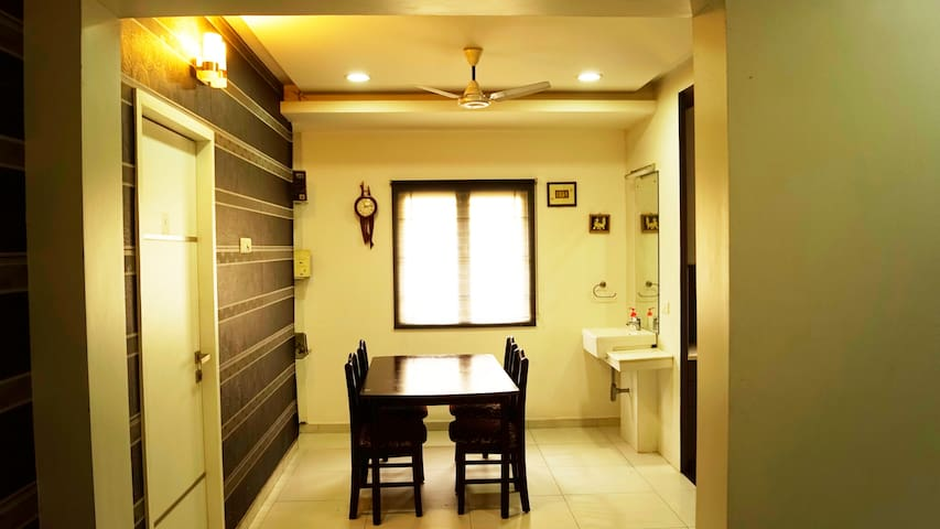 3BHK for 8 with AC Wifi - Near Vadapalani Metro