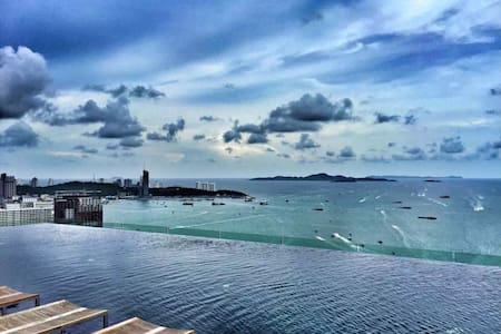 【Francis House 1-2】High Floor Great Sea View Condo - Pattaya