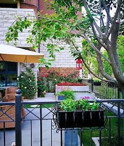 宝塔山附近三室温馨套房