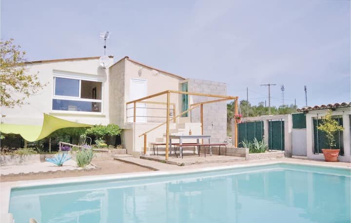 Awesome apartment in St. Ambroix with Outdoor swimming pool, Outdoor swimming pool and 1 Bedrooms