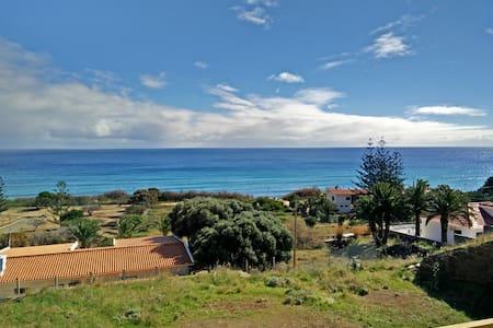 PERTO DA PRAIA COM FABULOSA VISTA MAR. ZONA CALMA - Porto Santo