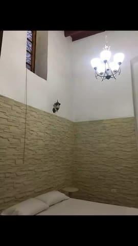 Habitación 1 con baño privado
