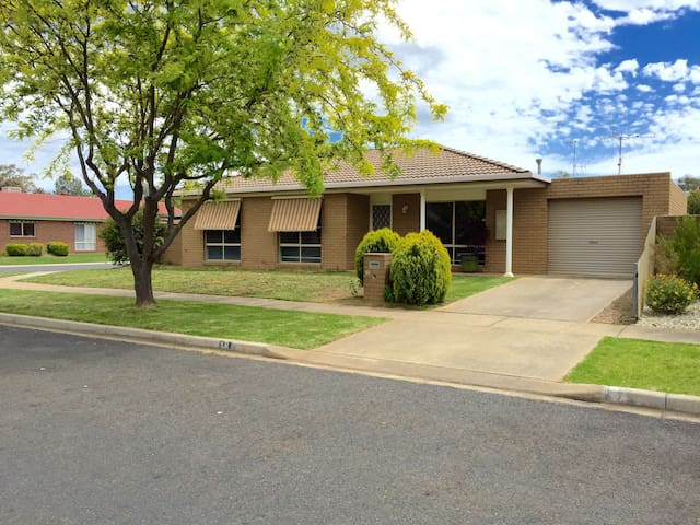 """The Statesman"" - Benalla - Townhouse"
