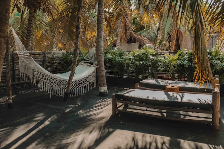 SERVICED APARTMENT STEPS FROM TULUM BEACH