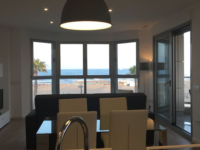 1º beach line, 15' city centre,new, wifi, bikes. - Alboraia - Apartment
