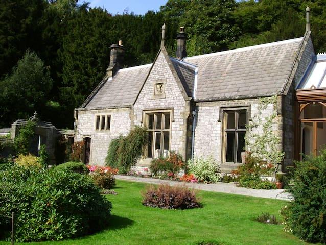 Hall Cottage, Cressbrook Hall