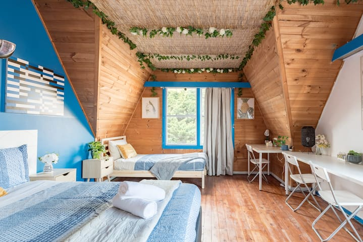 Rustic Private Room in Waterfront Beach Retreat 8 - SHAREHOUSE