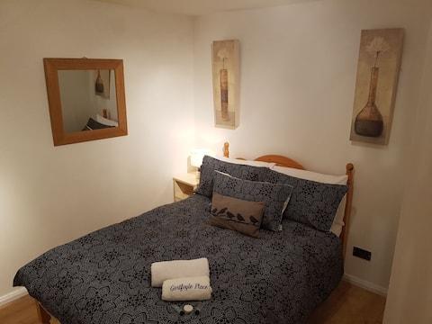 Casa perfecta de 2 dormitoris: 10 minuts a peu de la ciutat