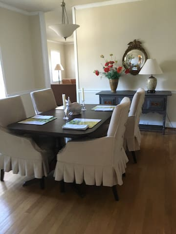 Spacious Two Bedroom in Heart of Chevy Chase