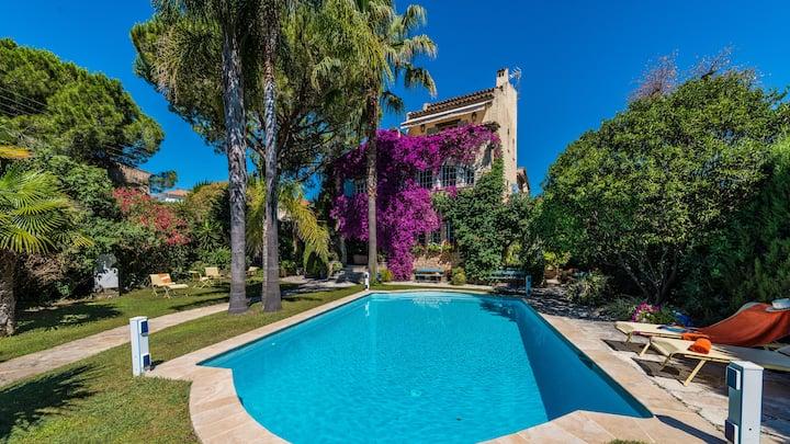 Prestigious Villa 8 bd*****, jacuzzi, studio