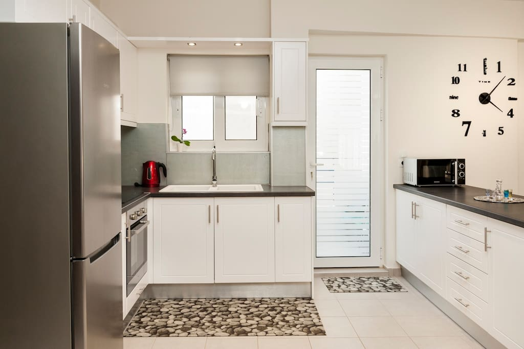 Fully equipped modern kitchen!