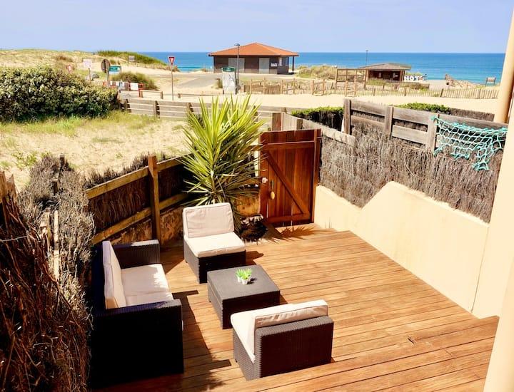 Beach front/Sea view  appartment, les Estagnots.