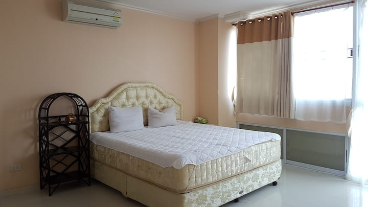 Cosy 2bedroom apartment close to Chiang Mai Univ.