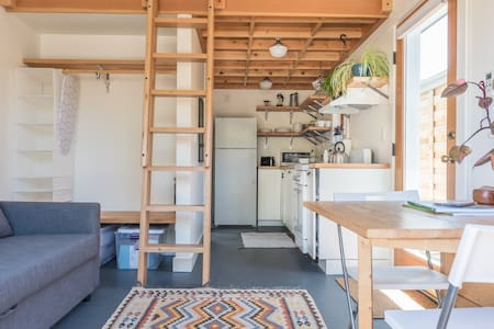 Tiny House Living with Loft Bed: 420 Friendly - Portland