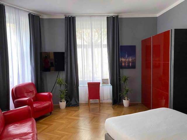 Elegant and cozy apartment centrally located