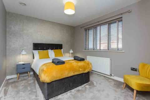 Green bank view apartment. Modern 2bed  apartment