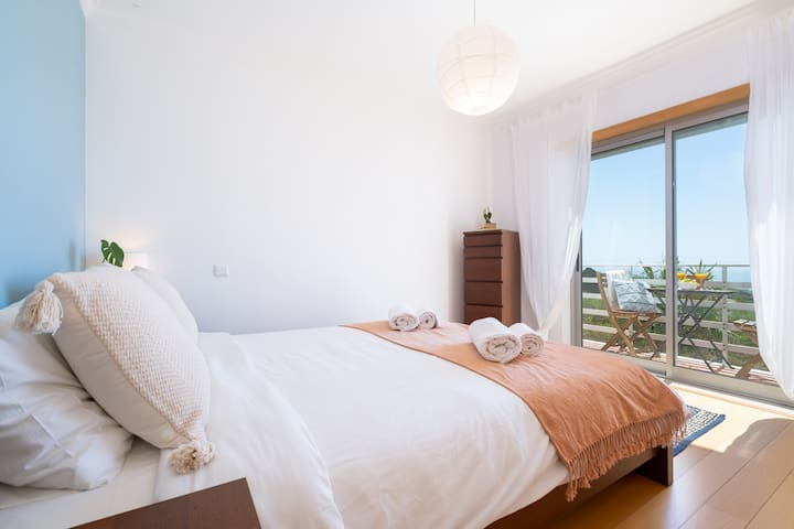 Bedrom 1 - Sea view / big wave view & private balcony