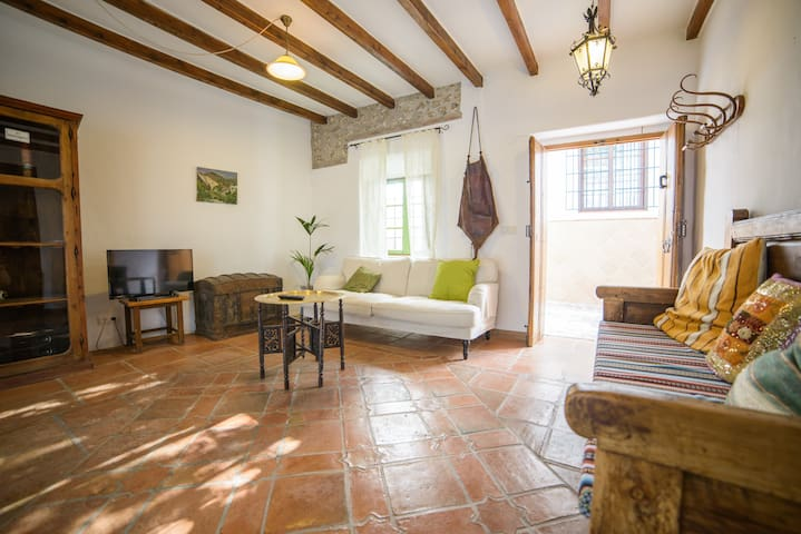 Casa Siles, authentic beautiful. - Nerja - Hus
