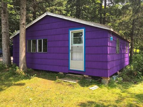 Charming Off-Grid Cottage