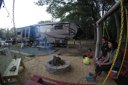 Luxury RV (01) @ KOA with POOL - Township of Branch - Camper/RV