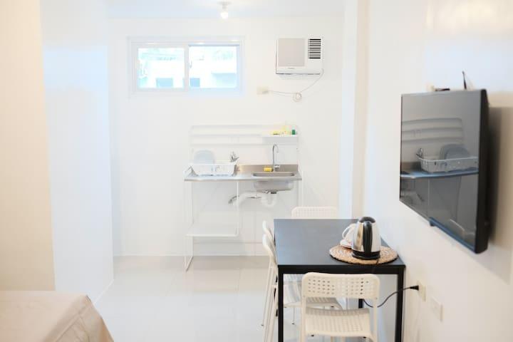 Cabanatuan Studio 203-Free Fast WiFi