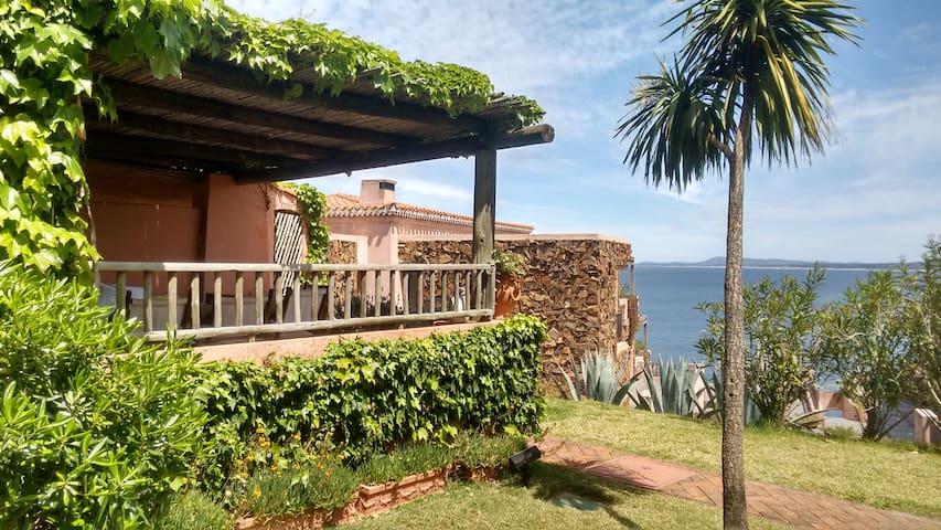 Casa con privilegiada ubicación - Punta Ballena - Hus