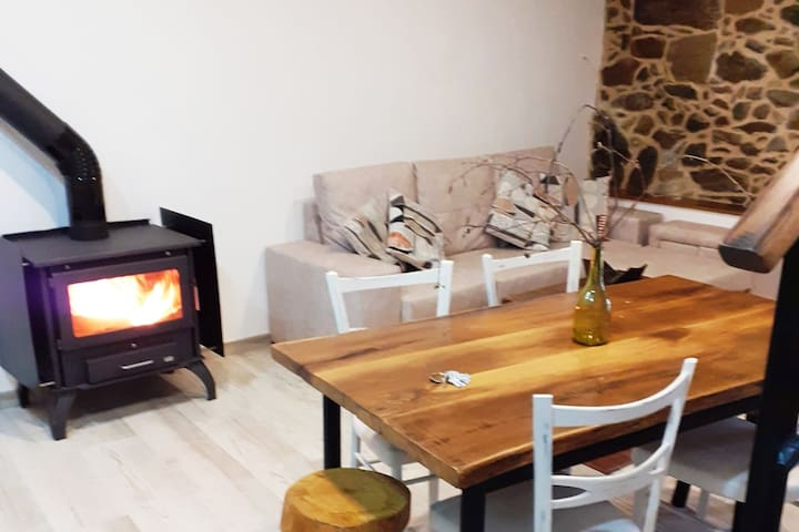 Ribeira Sacra- Casa  recién reformada con 2 hab
