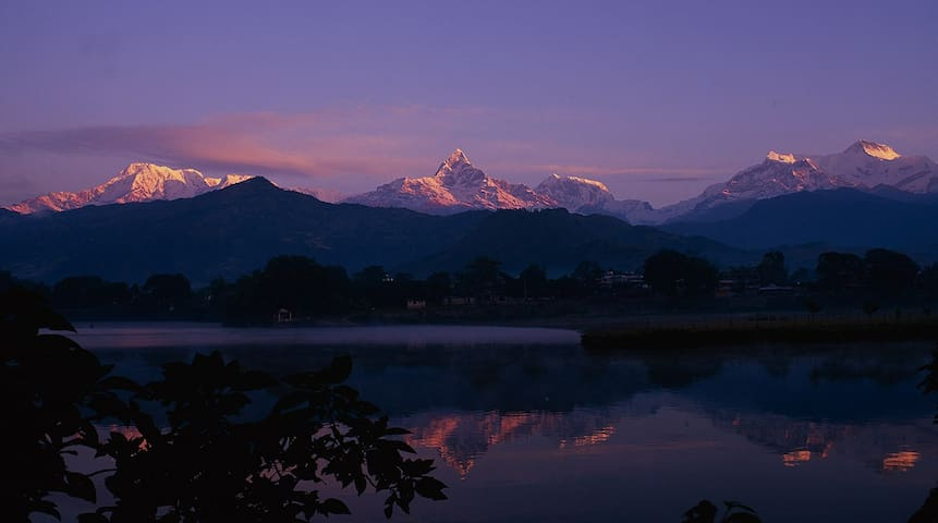 Affordable Room with free Breakfast - Pokhara - Hus