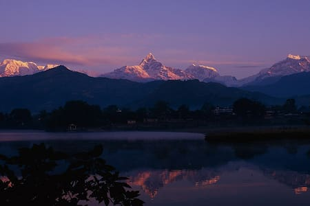 Affordable Room with free Breakfast - Pokhara - Huis
