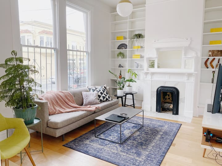 Sunny Victorian Room in The Mission