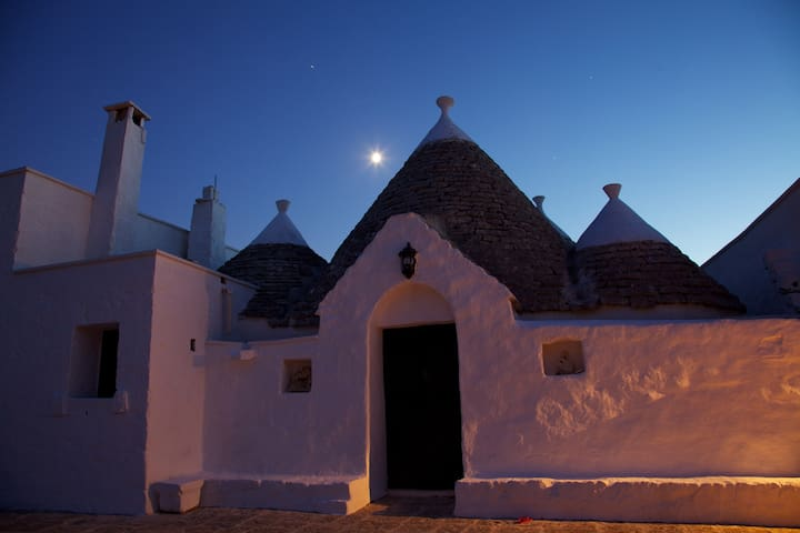 Peaceful Trullo Amidst the Olive trees - San Vito dei Normanni - House