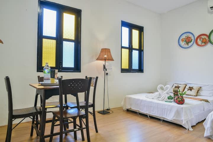 Standard 4 Persons Room in Melaka Jonker Area(R10)