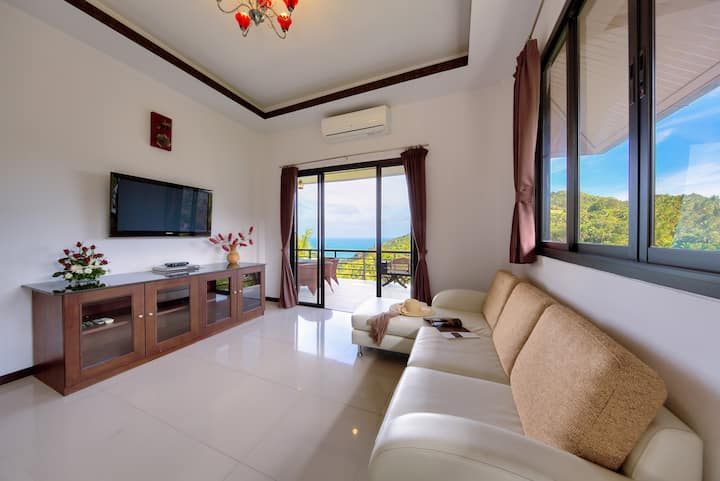 SeaviewVilla 2 Separate Level Bedrooms Shared Pool
