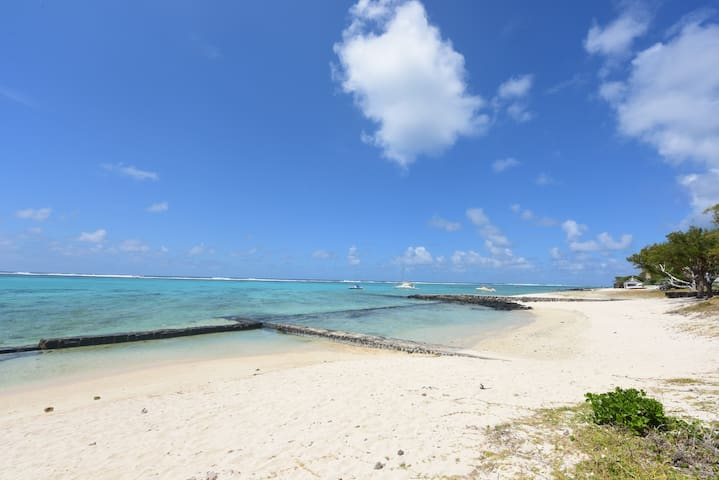 4* beachfront villa with great view - Pointe d'Esny