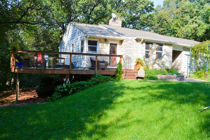 Hotels airbnb vacation rentals in bloomington minnesota for Vacation rentals minneapolis mn