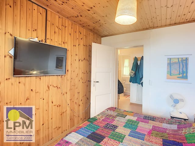 Bright apartment with 1 bedroom and a veranda near Versmont station, Leysin – 000347