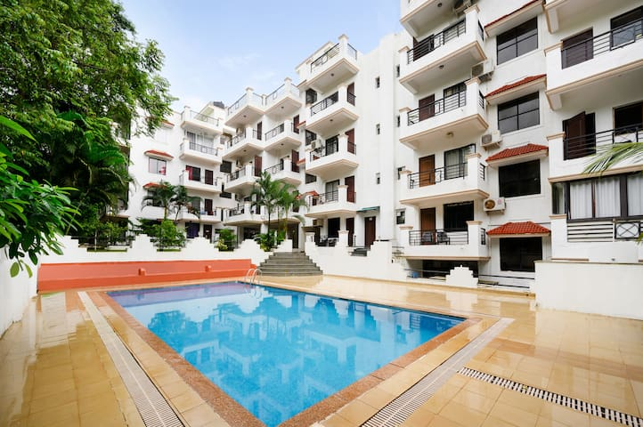 Comfy apartment with a pool, near popular beaches